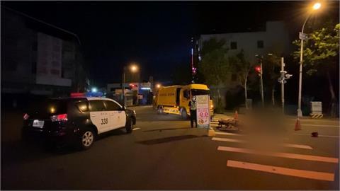 垃圾車轉彎不慎撞機車 騎士失去生命跡象