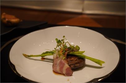 高雄美食 Ukai-tei 鐵板燒|頂級鐵板燒饗宴! 日本米其林一星,精緻料理滿足對味蕾的想像