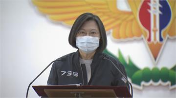 蔡總統慰勉陸軍54工兵群巾幗英雄成嬌點