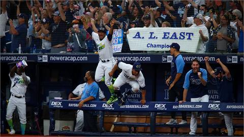 MLB/祖尼諾關鍵兩分砲 光芒擊敗馬林魚連兩年稱霸美東