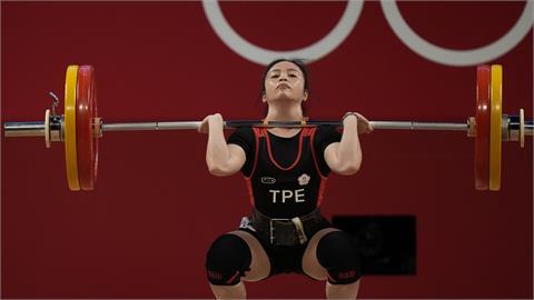東奧/「舉重精靈」方莞靈奧運初體驗!女49公斤級總和181公斤第4名作收