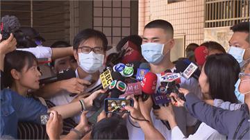 快新聞/陳其邁和兒子投票「搶頭香」 睡前回憶選舉過程「心裡很踏實」