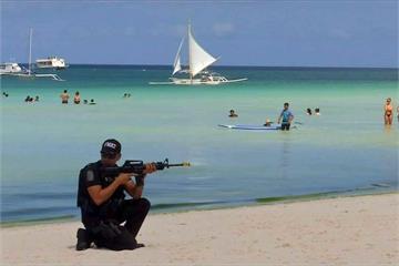 3萬6千長灘島居民將失業 武裝部隊演習防抗議
