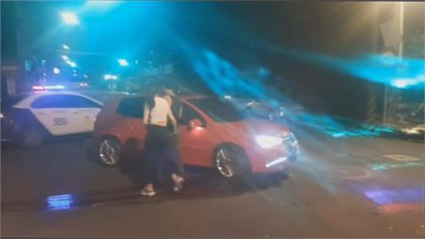 姐弟戀喝茫 男騎重機遭女友車輛撞到骨折