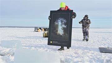 俄冰層下藝術展覽 潛水下去才能欣賞