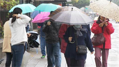 鋒面到北台轉濕涼「這些地區」雨下3天! 鄭明典水氣圖曝絕美螺旋線條