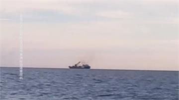 不滿離岸風電廠施工 20艘漁船包圍海上對峙