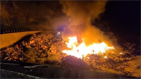 綠島睡美人垃圾場夜間竄火 花近6小時才撲滅