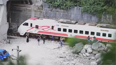 台鐵出軌殉職司機員頭七 事發時間09:28百列車鳴笛30秒