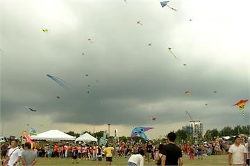 快新聞/巨型風箏線纏住腳 越南男童被「捲上天」重摔落地慘死