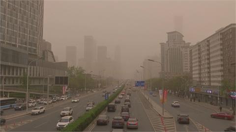 再遇沙塵暴!空氣嚴重污染等級高 中國建「綠色長城」阻擋
