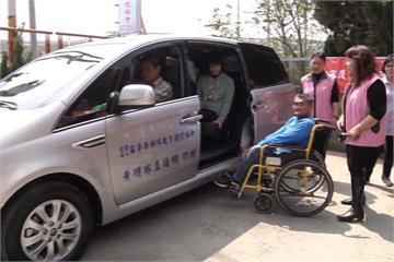 直播主賣茶葉做公益 募款80萬捐新車