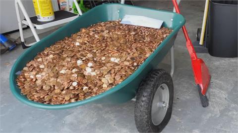 惡質!915美元老闆欠薪已久 最終竟收到230公斤重臭銅板
