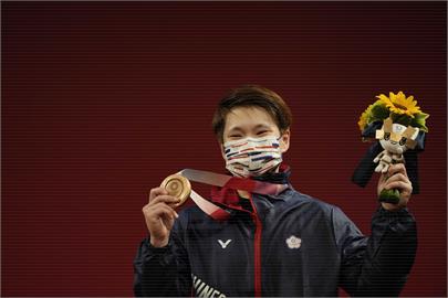 東奧/陳玟卉破個人最佳紀錄奪銅牌 侯友宜:成功舉起的剎那讓人感動