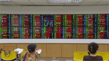 信心不足外資連7賣 本週台股跌掉642點