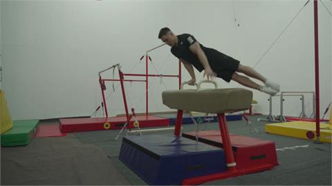 俄國體操好手納哥爾內 首創地板反向三周跳