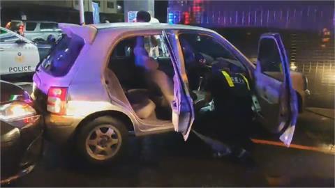 警攔查可疑車輛竟遭攻擊 開槍還擊1人中彈1落網