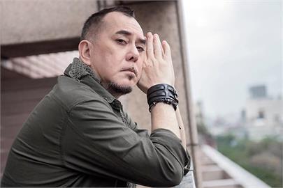 台灣升三級警戒 黃秋生批不戴口罩者「野蠻人」