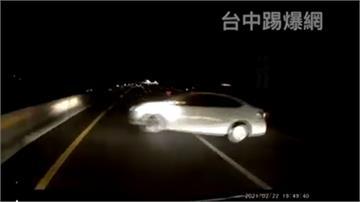 鬥陣來國道尬車 ! 悲劇翻車害5人傷