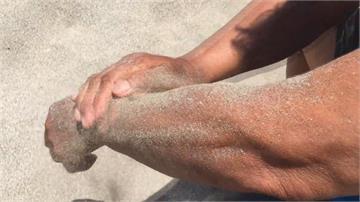 海邊戲水被水母螫怎麼辦?阿美族部落有「熱沙塗抹」妙招