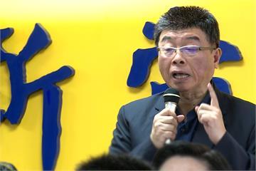 快新聞/談藍黨魁之爭重返執政 邱毅:國民黨有人敢點第一把火、開第一槍嗎?