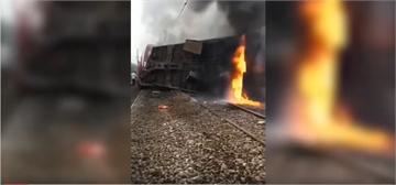 湖南載客火車翻覆起火 一死逾百傷