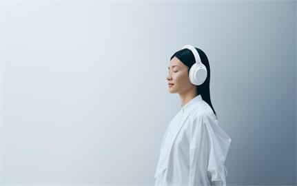 怎麼捨得用?Sony 推出「限量靜謐白」WH-1000XM4 無線主動式降噪耳機