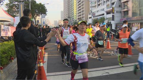 跑愈多.抽獎機會愈多! 高雄馬拉松改「線上跑」