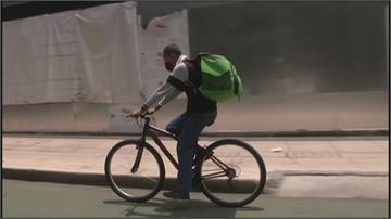 維持社交距離安全上路 墨西哥掀自行車熱潮