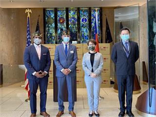 美軍人協會表態力挺台灣入聯!蕭美琴代表捐贈25萬片口罩展友誼
