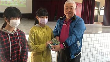 快新聞/宜蘭善心人士自掏4萬元 捐千份布口罩給師生「防疫也要愛惜土地」