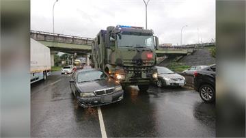 國軍雷達作業車遭轎車撞 網虧駕駛:越級打怪