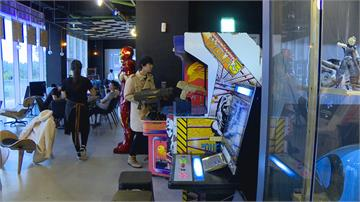 新舊遊戲機通通有 電玩餐酒館創造話題