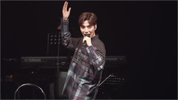 影/情歌王子潘裕文克服肢障  演唱會SOLO自嘲往唱跳歌手發展