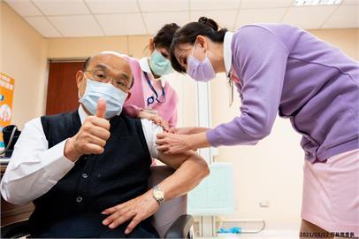 快新聞/帶頭接種疫苗遭藍營質疑「打假針」 蘇貞昌嗆:不要什麼都唱衰、質疑