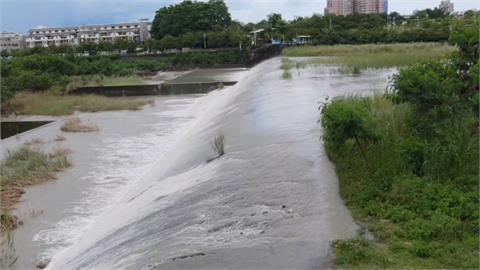 水庫滿遊客也滿了!鋒面助攻南部水情轉樂觀 水庫湧人潮恐成破口