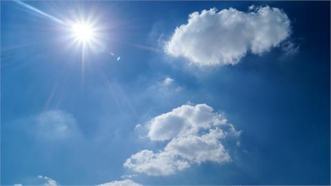 北、東部高溫「恐飆36度」 林嘉愷點名「中南部」:全日需防降雨!