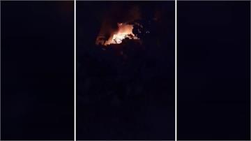 台中大樓火災急疏散2千人  屋主返家路邊癱軟痛哭
