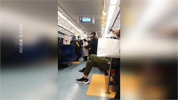 傻眼!男逃票還沒量體溫 引起乘客公憤