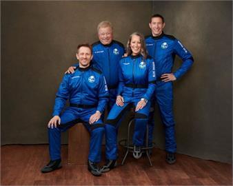 星艦「寇克艦長」搭藍源火箭升空 成最年長太空人