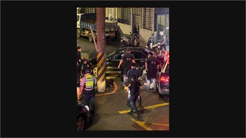 遇攔檢竟衝撞員警逃逸 警開槍圍捕逮4人