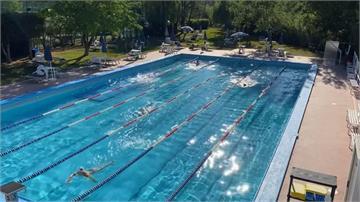 游泳也須保持社交距離!義大利泳池重新開放