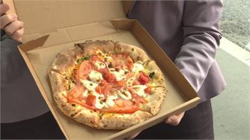 超暖!慰勞前線醫護 大學生現烤披薩送暖