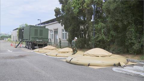 水情吃緊! 國軍淨水車進駐本洲供水