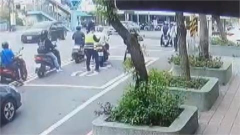 男為躲罰單變造車牌上路 警所前等紅燈被逮