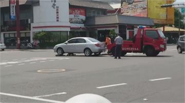 扯!拖吊車螃蟹夾脫落  車子直接摔在路上
