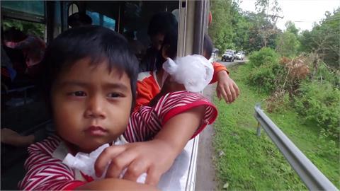 全球/緬甸軍政府轟炸報復 克倫族倉皇逃往泰國