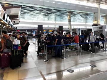 獨家/總算可以回家了!首架印尼撤僑包機晚間10點抵台