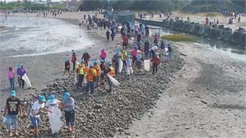 向海致敬! 台中大安千人淨灘守護海岸線