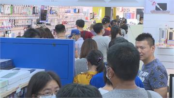 燦坤桃園南崁全新型態門市開幕活動民眾搶體驗電子手環